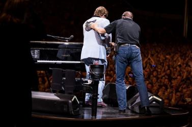 Egymás után mondja le koncertjeit a gyengélkedő Elton John