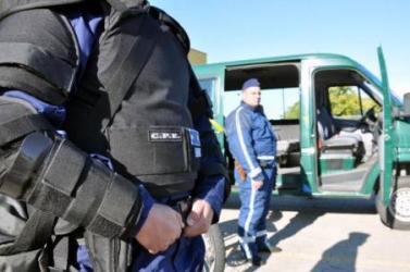 Migránsokkal bizniszelt egy magyar és két szerb embercsempész