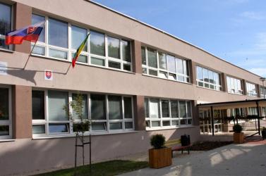 1,1 millió euróból újult meg az Eötvös Utcai Alapiskola Komáromban