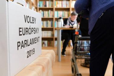 Csáky a 16. a karikák alapján, a Híd megroggyant Komáromban és Somorján is – érdekességek az EP-választásról