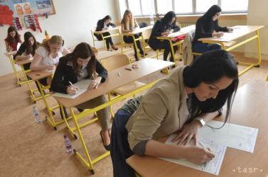Ezekből a témákból választhattak a magyar nyelvből érettségiző diákok