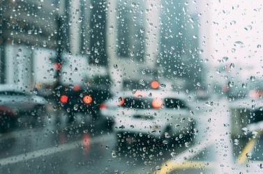 Ma különösen fontos, hogy lassabban és a megszokottnál is óvatosabban vezessenek!
