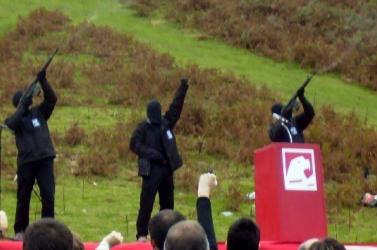 Háromezer évnyi börtönbüntetésre ítélték, de kiszabadult a véreskezű terrorista