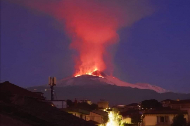 Erős földrengés rázta meg Szicíliát és kitört az Etna