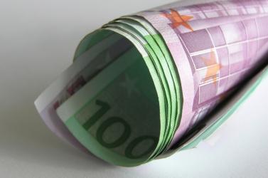 2,25 millió euró ment el a választási bizottságok tagjaira