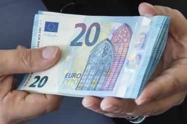 Havi 1035 euróra nőtt a szlovákiai átlagbér