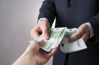 Egymás között euróban üzletel egyre több cseh cég