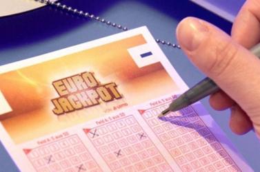 Eurojackpot: Öten osztozkodnak a 90 milliós főnyereményen!