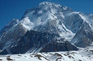 Nyoma veszett a kézujjak nélküli hegymászónak, aki megmászta a világ 14 legmagasabb hegycsúcsát