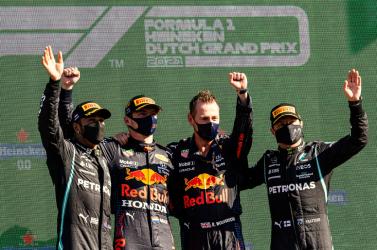 Holland Nagydíj: Verstappen győzött és átvette a vezetést az összetettben a hazai közönség előtt