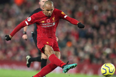 Újabb védőjét veszítette el a Liverpool