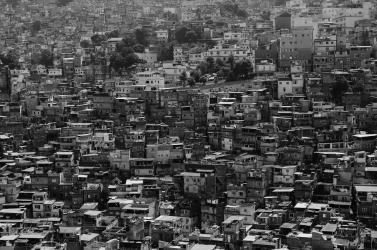 Hatalmas katonai és rendőri akció indult a riói favellákban