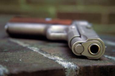 Fegyveres támadók végeztek két tanárral Kasmírban