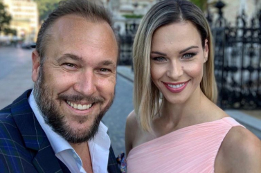 Válik a magyar énekes és felesége