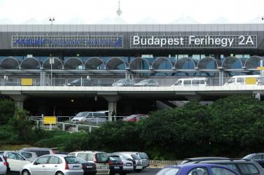 Lebénult a budapesti reptér...