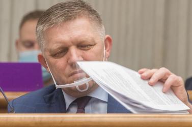 Robert Ficót kihallgatják a pozsonyi rendőr-főkapitányságon (VIDEÓ)