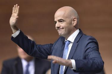 Még jobb futballra van kilátás, mert nem eldugott, sötét hátsó szobákban hozza a FIFA a döntéseket