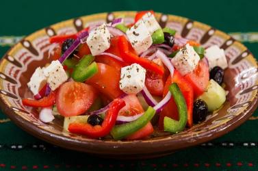 Mediterrán étrend beiktatásával megelőzhetjük a nagy zabálásokat