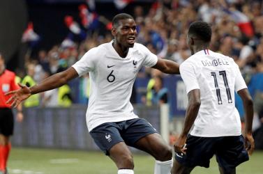 Vb-2018: Átminősítették Pogba találatát, öngóllal nyerték első meccsüket a franciák