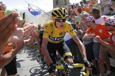 A Tour de France-győztes kerékpáros tagadja, hogy szabályt sértett  volna