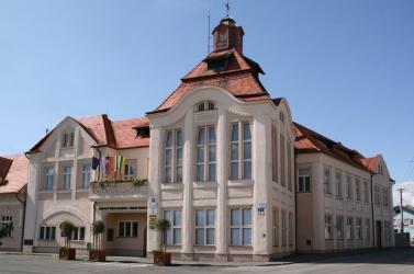 Hamarosan ügyfélfogadó központ nyílik a Füleki Városi Hivatalban