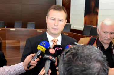 Gál Gábor javasolja két bírónő funkciójának felfüggesztését!