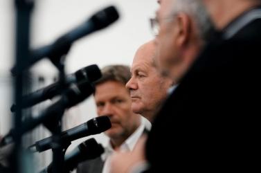 Koalíciós tárgyalásokról állapodtak meg a német szociáldemokraták két kisebb párttal