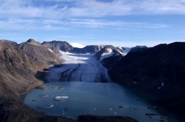 A gleccserek olvadása tíz év alatt 180 gleccsertavat hozott létre a svájci Alpokban