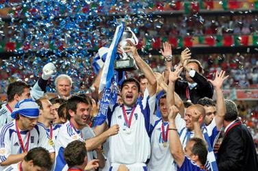Eb-2004: Mindenki annyira tud játszani, amennyire hagyják – Baroš, a görög istenek és egy német stratéga