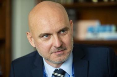 A Za ľudí nem szólítja fel lemondásra Gröhlinget a diplomamunkája miatt