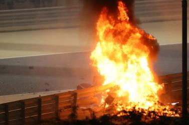 Dráma a Forma-1-ben: Leállították a versenyt, az elmúlt évek legfélelmetesebb balesete történt (VIDEÓ)