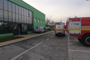 Nagy erőkkel szálltak ki a tűzoltók a városi lakáskezelő cég kazánházához Nagymegyeren!