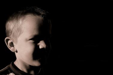 SZÖRNYŰ: Rendszeresen bántalmazta és molesztálta nevelt gyerekeit egy magyar férfi