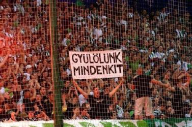 """Hasfelmetsző szerb rémeket lát néhány bősi """"aboriginal"""""""