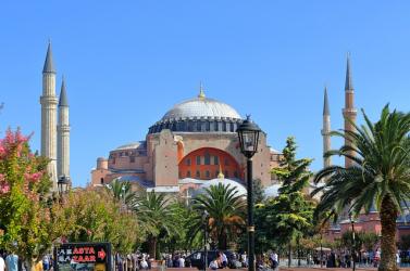 Ferenc pápa fájdalmát fejezte ki a Hagia Sofia bazilika mecsetté nyilvánítása miatt