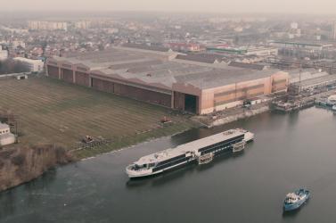 Évtizedek után újra szállodahajót bocsátottak vízre a komáromi hajógyárban