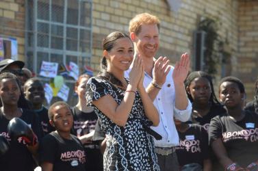 Telefonja lehallgatása miatt Harry herceg beperelte a Sunt és a Daily Mirrort!