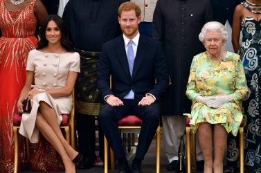 Harry és Meghan lemond királyi titulusáról