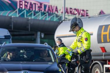 Ausztria is megszünteti a határellenőrzést!