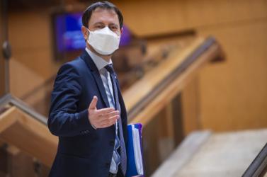 Szerdán jön a rendkívüli parlamenti ülés a titkos találkozó miatt
