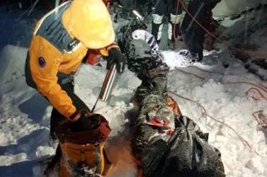 Két ukrán hegymászó zuhant le a Lomnici-csúcs alól!