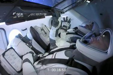 Történelmi pillanat: megérkezett a Nemzetközi Űrállomásra a Crew Dragon