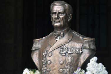 """Horthy nem volt háborús bűnös, de """"elkúrta"""" Magyarország sorsát! Jelenkori imádói önmagukat minősítik!"""