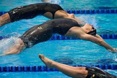 Vizes Eb - Kapás arany-, Hosszú ezüstérmes női 200 méter pillangón