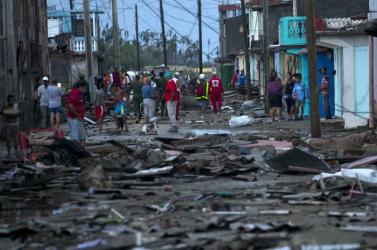 Több mint száz rab szökött meg a hurrikán segítségével