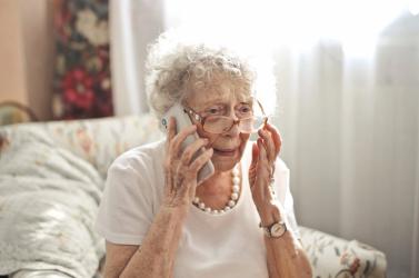 Koronavírusos történettel próbálhatnak egy rakás pénzt kicsalni az idősektől!