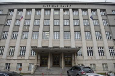Bombariadó miatt evakuálták az Igazságügyi Palotát