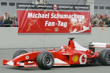 Elárverezik Michael Schumacher 2002-es Ferrariját