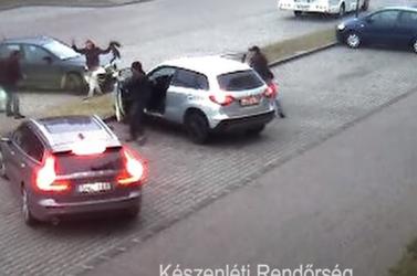Egy kisfiúra számított, de egy rakás hekust kapott - pedofilt kaptak el Győrben! (Videó)