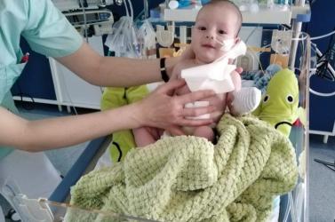 Nem egész öt nap alatt összegyűlt a pénzösszeg a dunaszerdahelyi Dávidka szívműtétjére!